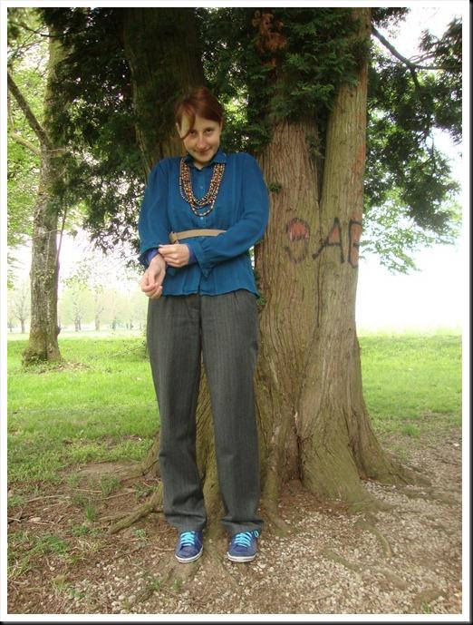 vintage blue blouse and belt; Oviesse pants; Graceland shoes (1)