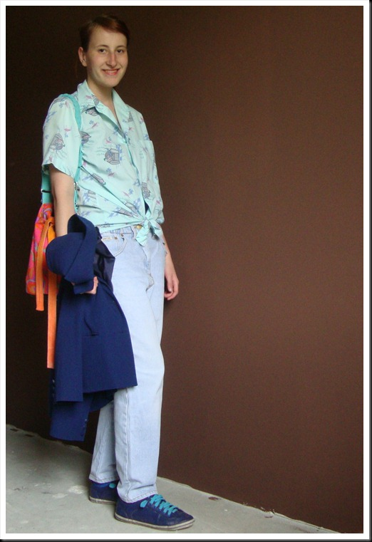 Vintage baggy jeans and shirt; secondhand blazer; DIY bag; Graceland shoes (2)