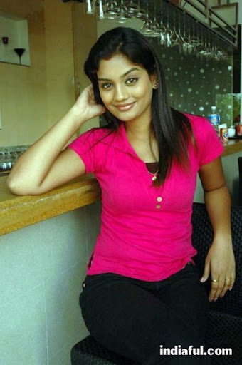 actress.karuna.karuna-hot-stills-003.jpg (425×640)