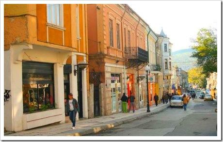 Някъде на тази улица са светнали първите Червени фенери в Шумен