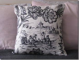 pillows 004