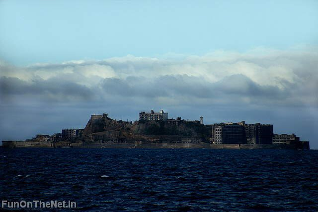Top 5 World's Most Amazing Islands: Alcatraz, Easter Island, Sealand, Surtsey, Gunkanjima (the ghost island)