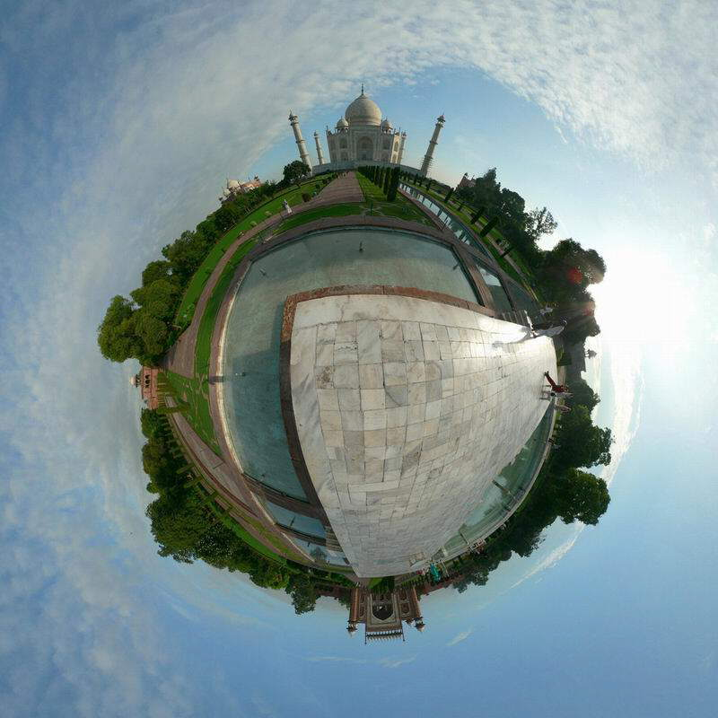 This is called photograph Technique!!! See the Taj Mahal in 360-degree view