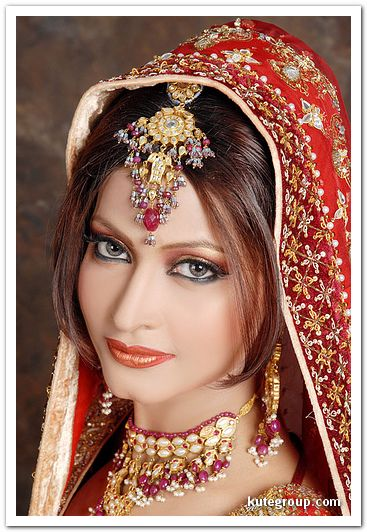 Bridal Jewelry and Makeup Inspirations