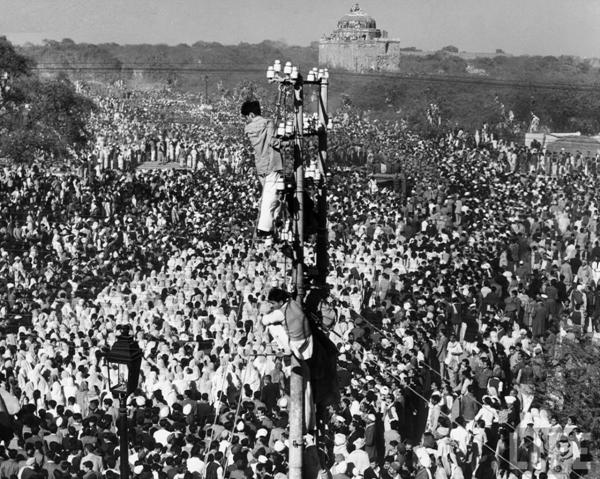 Mahatma Gandhi's Funeral: A very touching moment