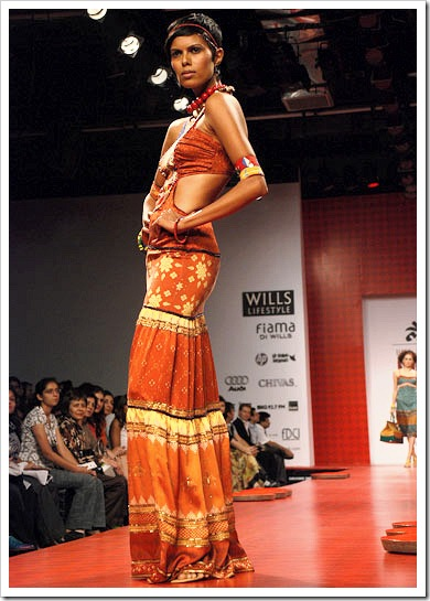 Ritu kumar's summer wear collection at LFW