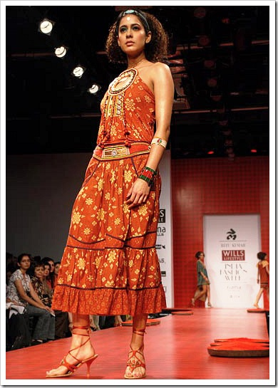 Ritu kumar's summer wear collection at LFW_1