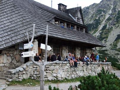 volle Hütte bei Niznia Kopa