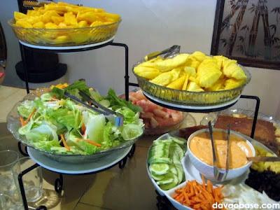 Fresh fruits and vegetables in Nanay Bebeng Restaurant