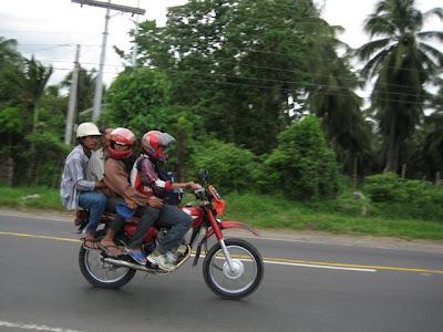 Make way: Passing Through Darong, Sta. Cruz, Davao del Sur