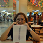 Wifey holding our unopened iPad 2 with Product Red Smart Cover inside Pizza Hut SM City Davao