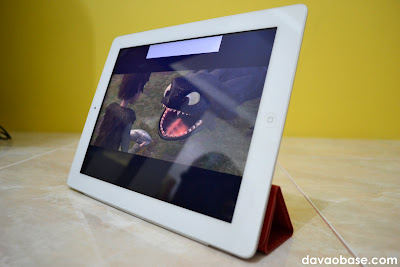 Watch movies on iPad 2, while using the Smart Cover as a movie / FaceTime stand
