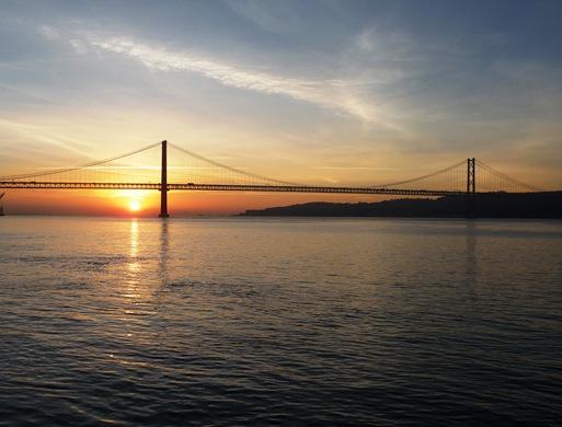 ponte 25 de abril aurora 3