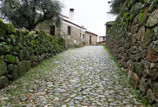 Belmonte - rua ao redor do castelo