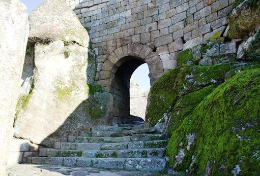 sortelha - porta de entrada do castelo