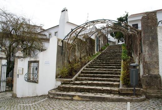 Ourém - Castelo - escadinhas sociedade filarmonica