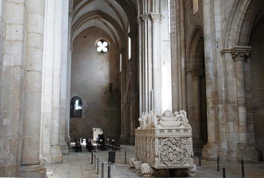 Mosteiro de Alcobaça - Túmulo de D. Pedro I - 1