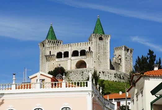 Porto de Mós - Castelo visto dos paços do concelho