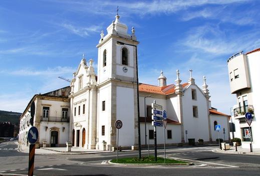 Porto de Mós - praça do rossio - igreja de s. pedro