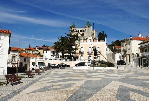 Porto de Mós - Praça da república 2