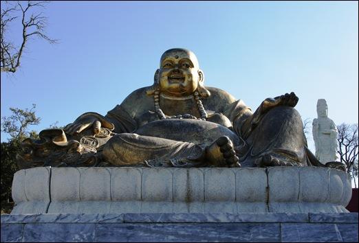 Buddha Eden - buddha dourado.1