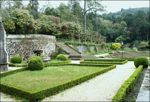 Buçaco - jardim do palácio - escadaria 4
