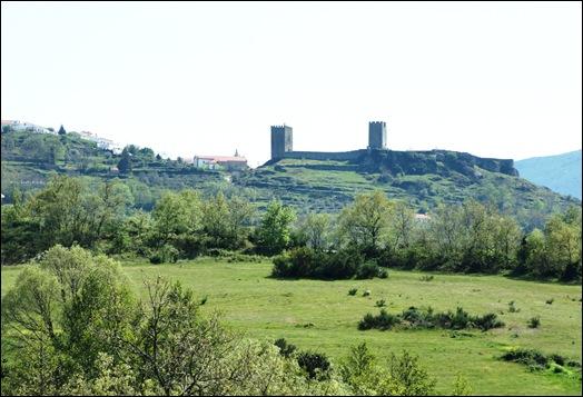 Linhares - Castelo ao longe