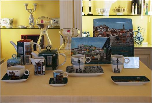 Ilhavo - Vista Alegre - loja da fabrica - peças com decoração baseada no Porto