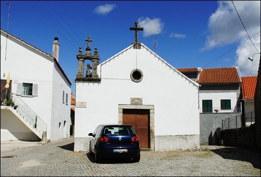 Glória Ishizaka - Vila do Touro - capela de s. sebastião