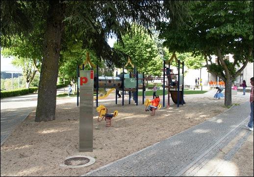 Sabugal - Glória Ishizaka - parque infantil