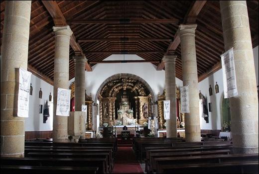 Mêda - Glória Ishizaka - interior da igreja matriz