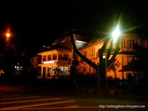 Malang City Major's Office Photo at Night