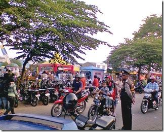 Selling Ta'jil in Sawojajar MAlang
