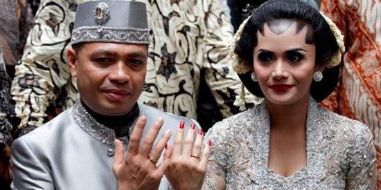 Krisdayanti Raul Lemos Marriage Rings