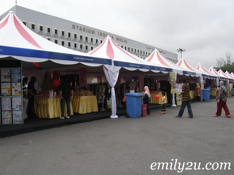 Groom Big exhibitors