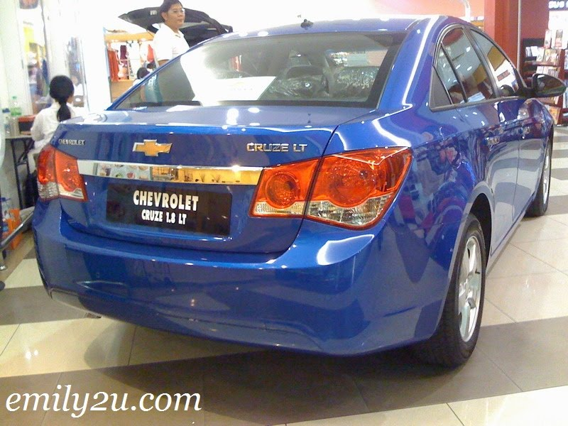 Chevrolet Cruze back view