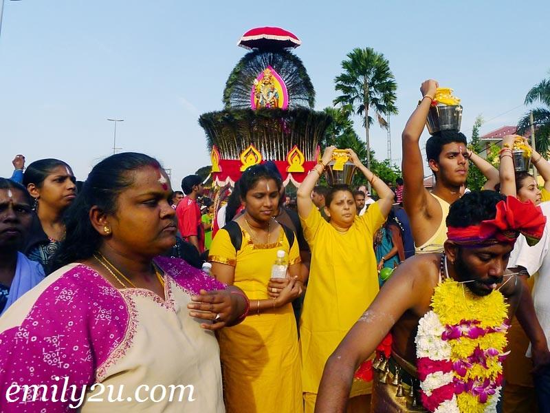 Thaipusam family