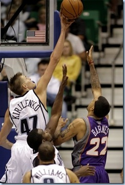 Oct 9 2008 [Steve C Wilson AP Photo] AK blocks Matt Barnes