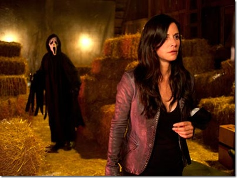 scream-4-courteney-cox-ghostface