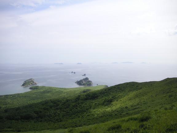 Extrémité sud de la péninsule de Gamova : vue vers le nord, 30 juillet 2010. Photo : J. MIchel