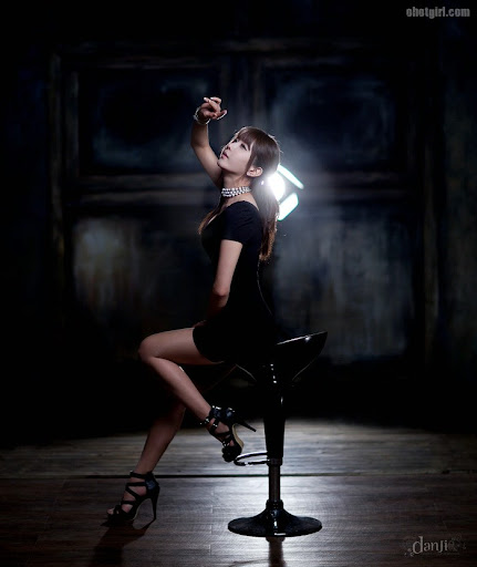 Heo Yun Mi – Black Dress