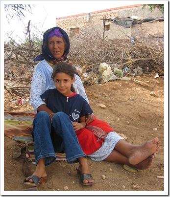 Tunisia - vecchia e bambina
