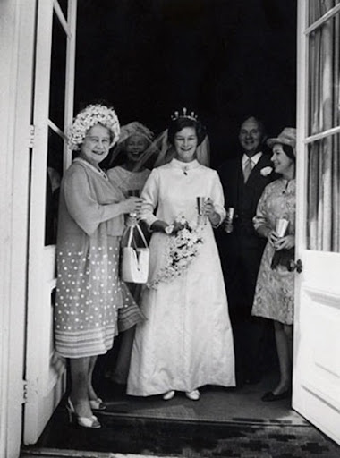 queen elizabeth ii wedding photos. queen elizabeth ii wedding.