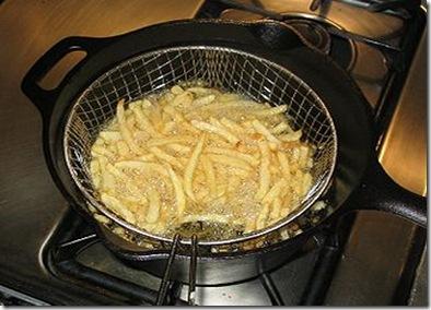 batata fritando