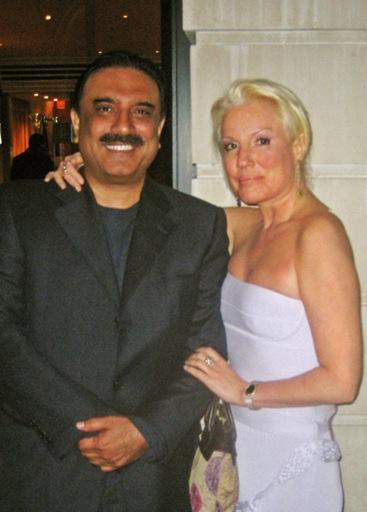 Asif_Ali_Zardari_and_Daphne