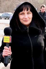 Митинг против вырубки леса (Пятихатки, 28.03.2010)Тележурналистка