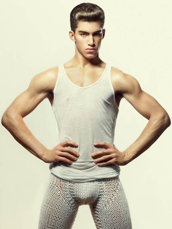 VGLMen.com | Kyle Pierce (Click) by Richard Pier Petit