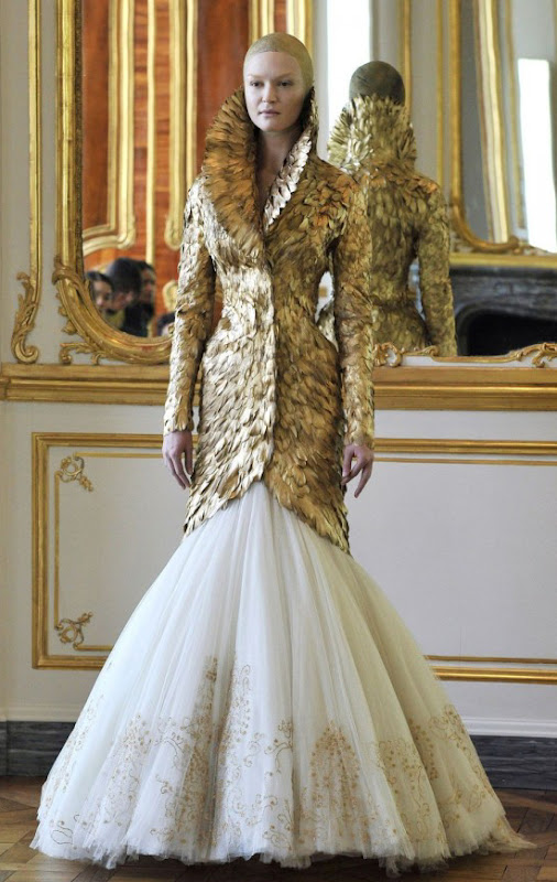 VGL | Alexander McQueen as shown in Paris on March 9, 2010