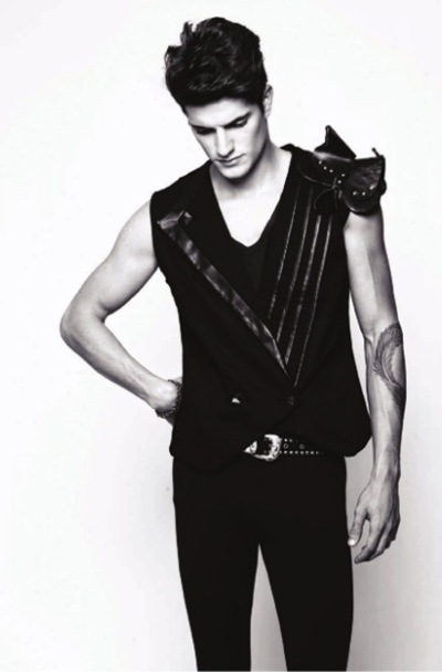 Isaac Farisato by Márcio Amara for Aimé #11, 2010