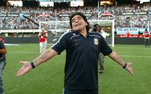 Maradona nos devuelve la pasión (sáb 28 mar)
